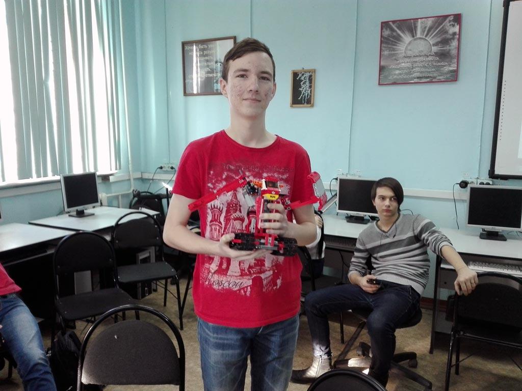 победитель битвы роботов